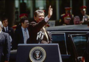 El hombre que trató de matar a Reagan quedará libre sin restricciones en 2022