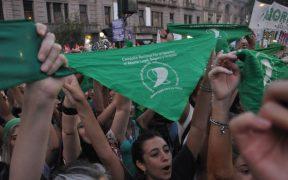 Diputados de Chile aprueban moción que legaliza el aborto hasta las 14 semanas de gestación