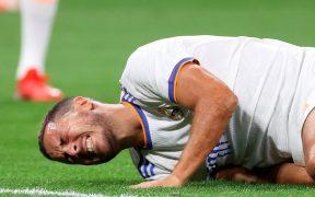 Eden Hazard se lamenta en la derrota ante Sheriff. (Foto: EFE).