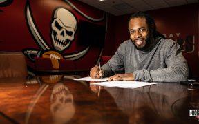 Sherman firmó por un año con los Buccaneers. (Foto: @Buccaneers).