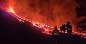 Erupción del volcán de La Palma obliga a ordenar el confinamiento de miles de residentes