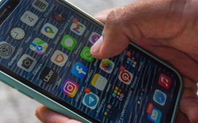 Usuarios reportan también fallas en TikTok y Telegram tras caída de redes de Facebook