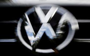 Volkswagen México extenderá paro en producción de Jetta por escasez semiconductores