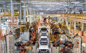 México buscaría resolver disputa del sector automotor con EU en panel expertos del TMEC: Reuters