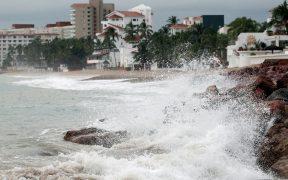 """""""Pamela"""" se debilita a tormenta tropical pero prevén que esta noche retome fuerza como huracán"""