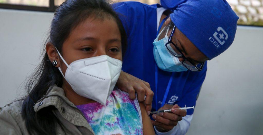 Ecuador anuncia vacunación contra Covid-19 a niños de 5 a 11 años con Sinovac y Pfizer