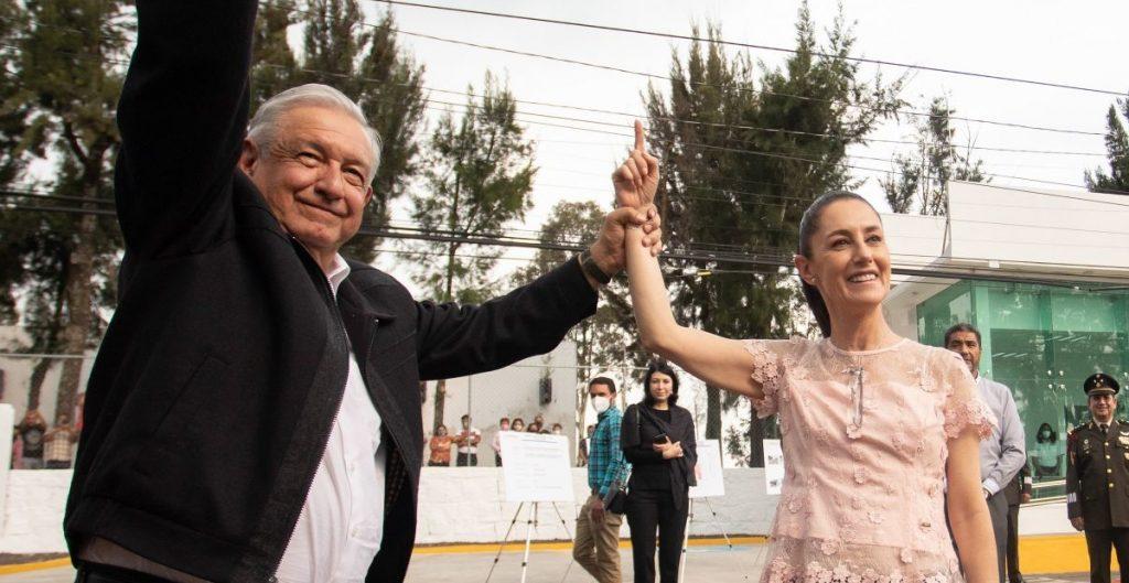 """Sheinbaum defiende encuesta de Morena para definir a candidato a la Presidencia; """"es lo más democrático"""", dice"""