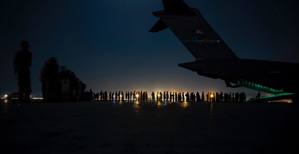 eu-vuelos-desalojo-afganistan-wall-street-journal