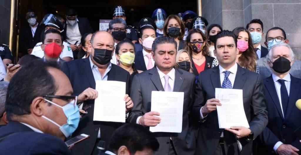 Diputados de oposición presentan ante la Suprema Corte objeción a la revocación de mandato