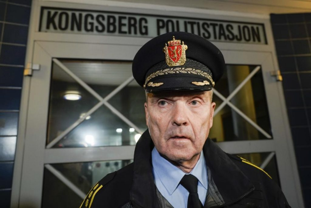 Ataque con arco y flecha en Kongsberg ''apunta'' a un atentado terrorista, dicen autoridades noruegas