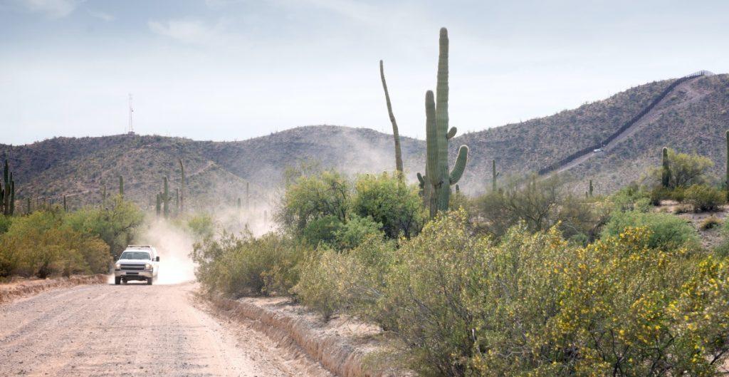 ninas-migrantes-arizona-shutterstock