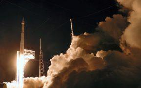 """NASA lanza su nave """"Lucy"""" para explorar asteroides y recordar a The Beatles"""