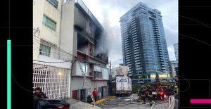 Incendio en edificio de Cuajimalpa deja al menos dos heridos