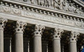 La administración de Biden pide a la Corte Suprema detener la ley de aborto en Texas