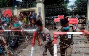 Cientos de opositores salen de la cárcel en Birmania tras amnistía dictada por la junta militar