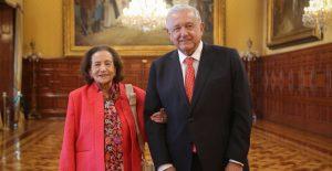AMLO se reúne con Ifigenia Martínez en Palacio Nacional
