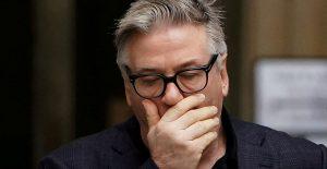 """""""Mi corazón está roto por su esposo, su hijo"""", dice Baldwin sobre disparo a directora de fotografía"""