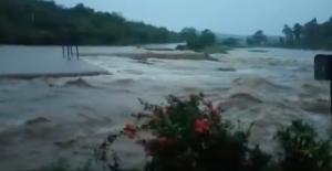 Desbordamiento de río Petatlán, en Guerrero, deja daños en la carretera Acapulco-Zihuatanejo, informa Protección Civil