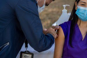 La OPS señala que América atraviesa su mejor momento de la pandemia en más de un año