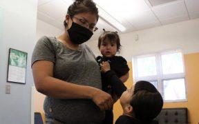 Los Ángeles lanza programa que dará mil dólares al mes a familias pobres