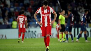Giménez lamenta el empate ante Levante. (Foto: EFE).